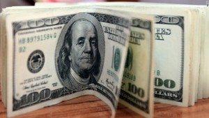 150701131723-100-dollar-bills-780x439