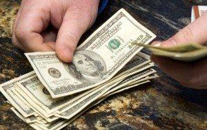 Наличный курс доллара падает дальше
