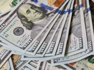 Курсовые игры с долларом продолжаются на межбанке