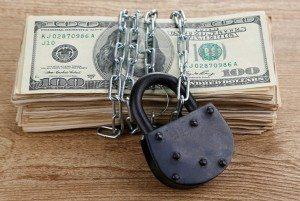 В Украине валютные ограничения отменят в скором времени
