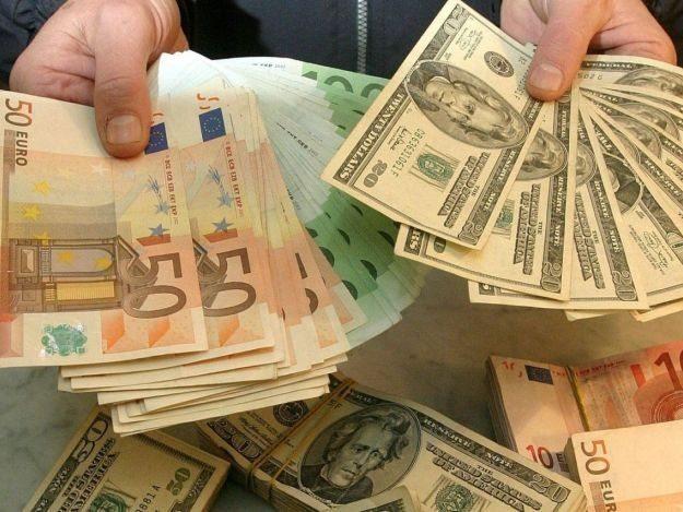 Доллар и гривна замерли на межбанке