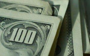 Перекладывание доллара: сколько Украина должна МВФ?