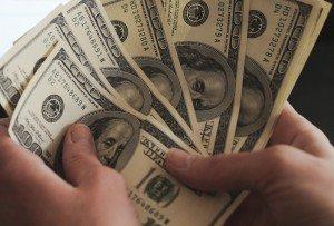 Курс доллара на межбанке снижается - что дальше